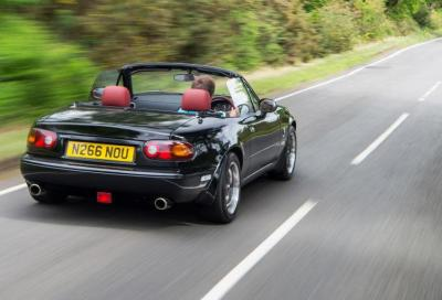 Un V6 Jaguar in una MX-5: Rocketeer MX-5 V6