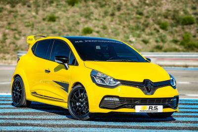 RenaultSport ha svelato una linea di accessori RS performance