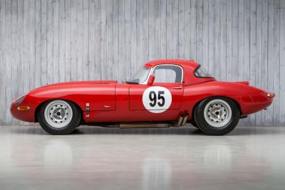 In vendita una Jaguar E-Type Semi Lightweight mozzafiato