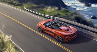 Arriva la nuova Stingray: decapottabile hard-top di Chevrolet