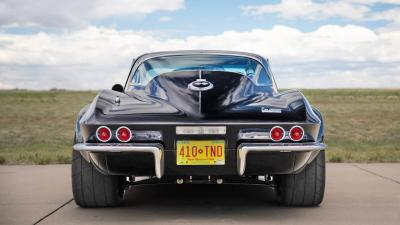 Chevrolet Corvette del '67 Vs Supercar moderne. 1-0