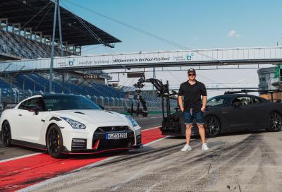 Come filmare una GT-R NISMO 2020 in pista? Trasformando un'altra GT-R in camera-car