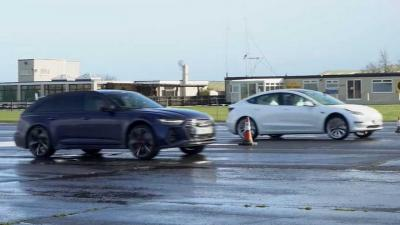 Tesla Model 3 Performance vs Audi RS6 Avant: sfida di accelerazione