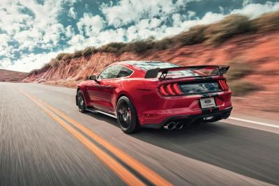 Ford Mustang Shelby GT 500: un animale completamente diverso dalle GT Standard